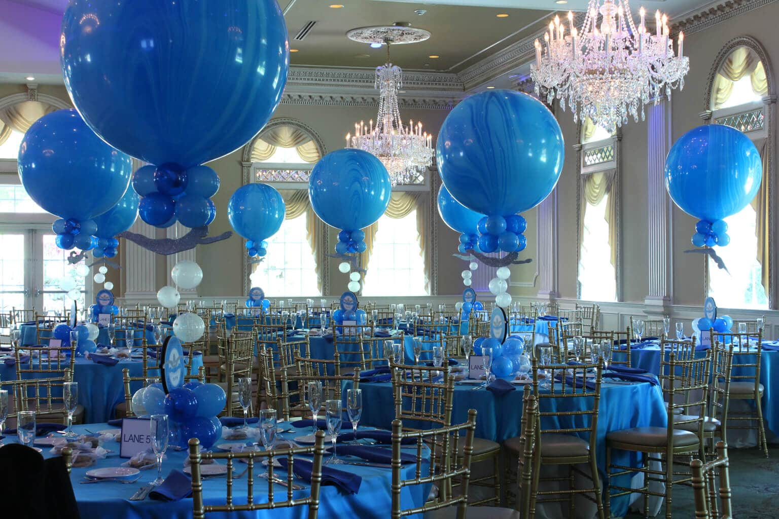Balloon Centerpiece Blue : Balloon centerpieces artistry