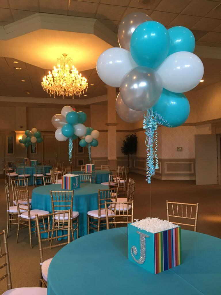 Photo cube centerpieces balloon artistry for Balloons arrangement decoration